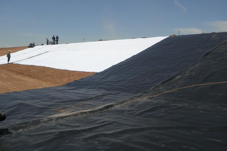 geomembrane-landfill